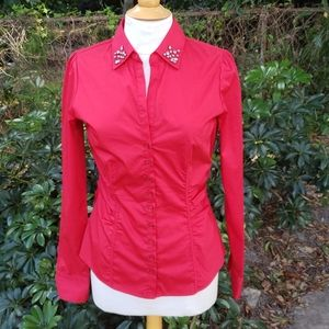 🚨NEW New York & Company Red Holiday Buttoned Top